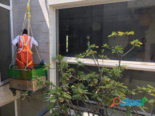 Window Glass Cleaning Services in Islamabad / Rawalpindi 6