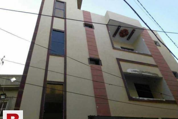 2nd floor 100 sq yards f.b.area block 18