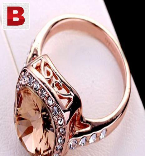 Big brown swarovski crystal gold plated ring