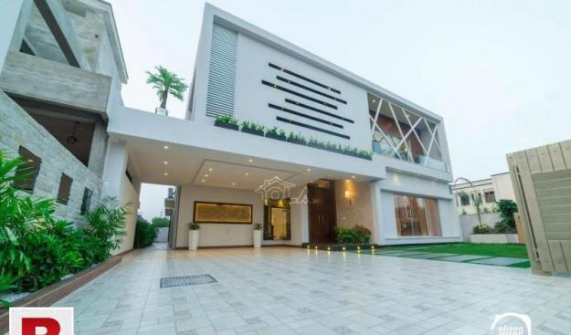 Dha defence phase 6 b/n with pool bungalow for sale ideal