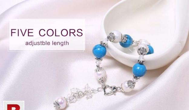 Gorgeous pearl bracelet with beautiful beads