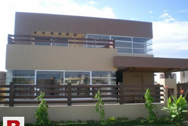 Gulshan iqbal block 5 bungalow for sell 400 yard double