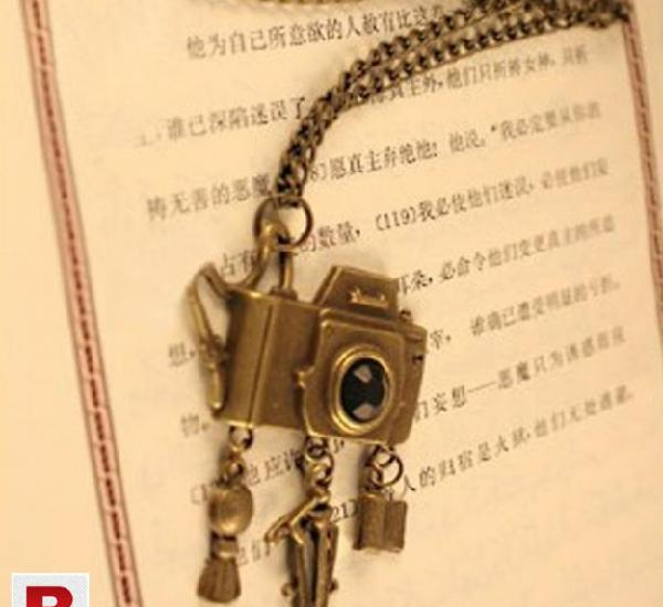 Hot ancient ways bronze element camera with sweater chain