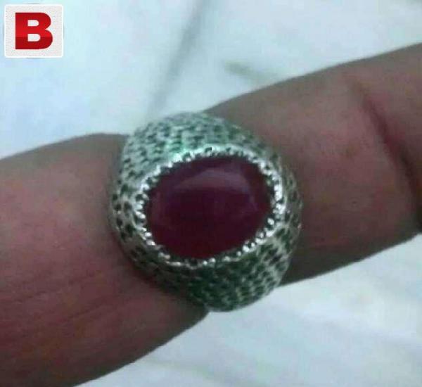 Old irani cheatam yaqoot in beautiful hand made ring