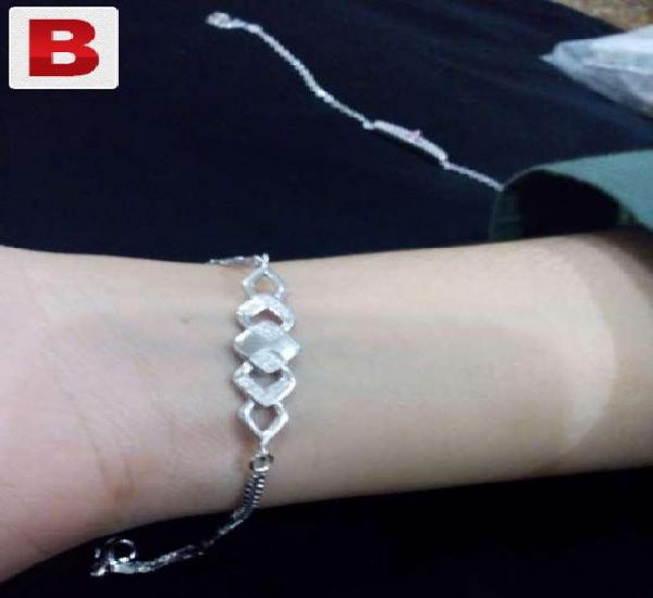 Silver bracelet.. (imported jewelry)