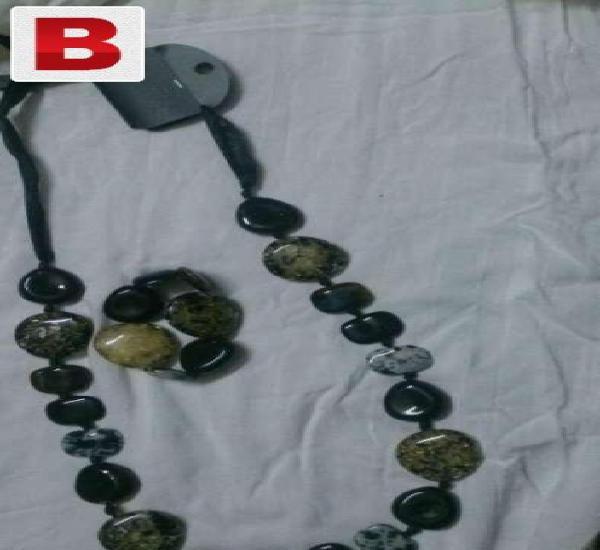 Stone necklace with bracelet