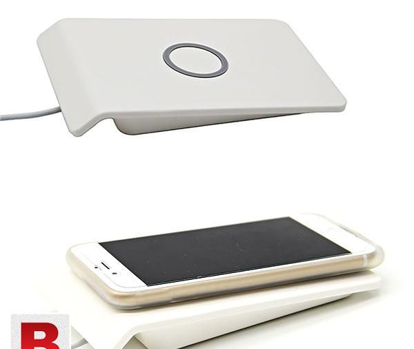 Wireless charging stand for smartphone