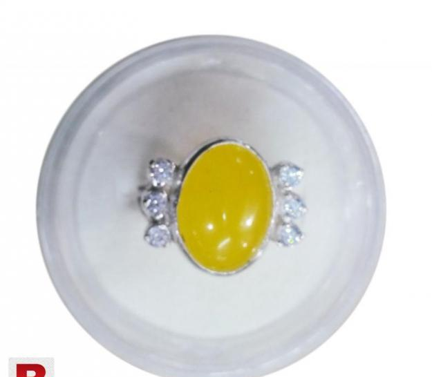 Zard yellow aqeeq silver ring with white zircon