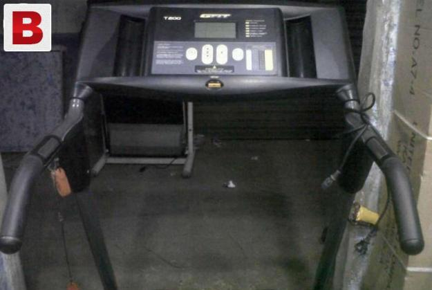 Durable and heavy treadmill for 120 kg user weight