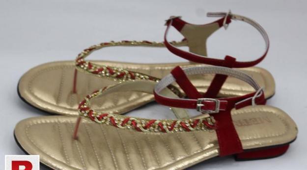 Ladies flat fancy shoes