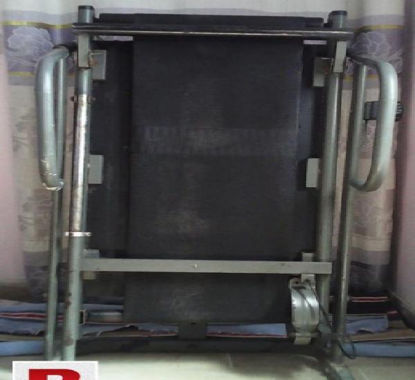 Manual running machine