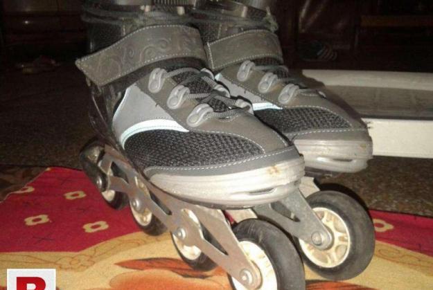 Senior size 7.5 oxygen inline skate