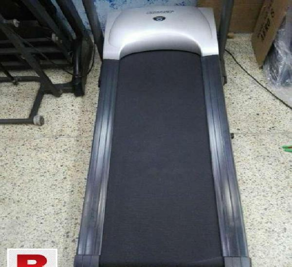 Tread mill jogging machine precious in good working