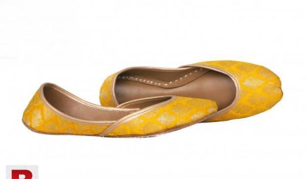 Yellow khussa