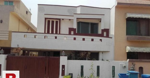 Bahria town phase 3 house for rent 10 marla available..