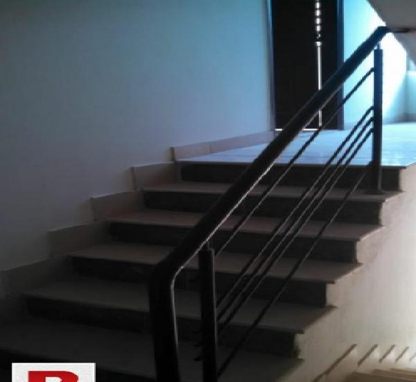 Brandnew 240yards 1st & 2nd floor onrent in jauhar blk3