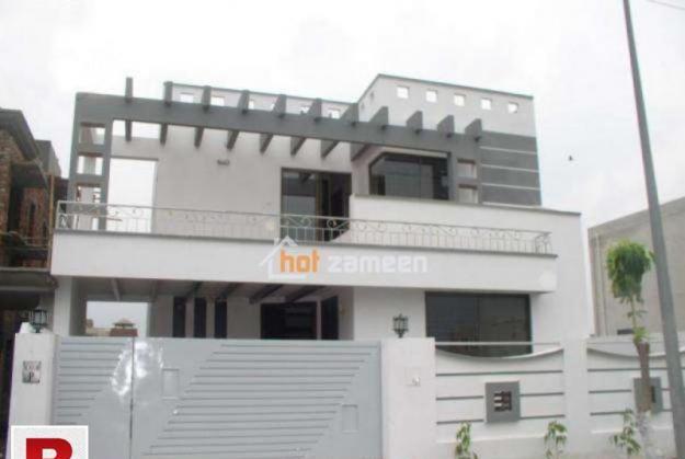 Dha defence karachi ph 6 brand new ground floor bungalow
