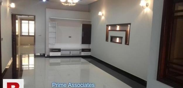 Gulistan-e-jauhar block-16a 240 yds one unit bungalow for