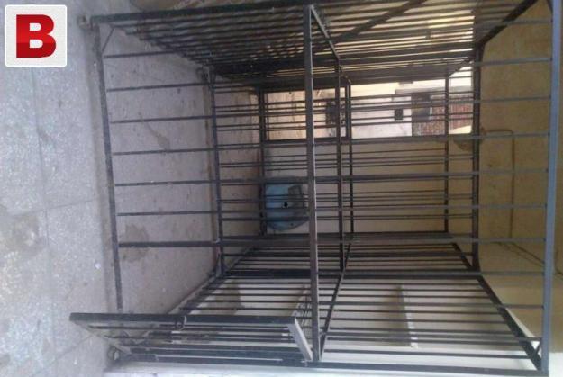 Heavy iron doge cage