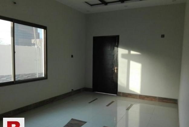 Ideal & beautiful 600yard2bed lounge onrent in jauharblk14
