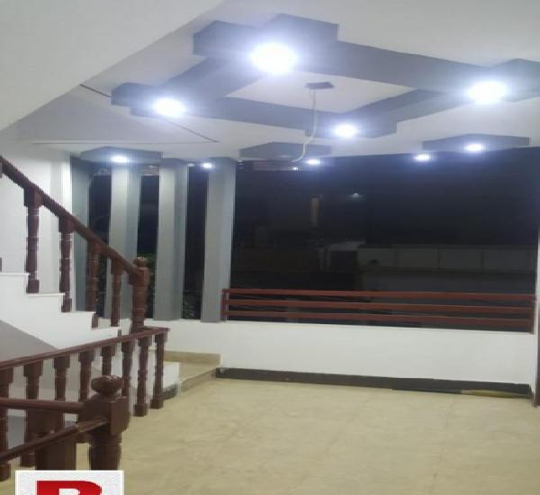 Independent brand new 240yards g+2 9bed onsale in jauhar blk