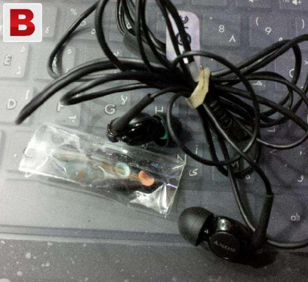 Sony xperia z original handsfree with original ear buds