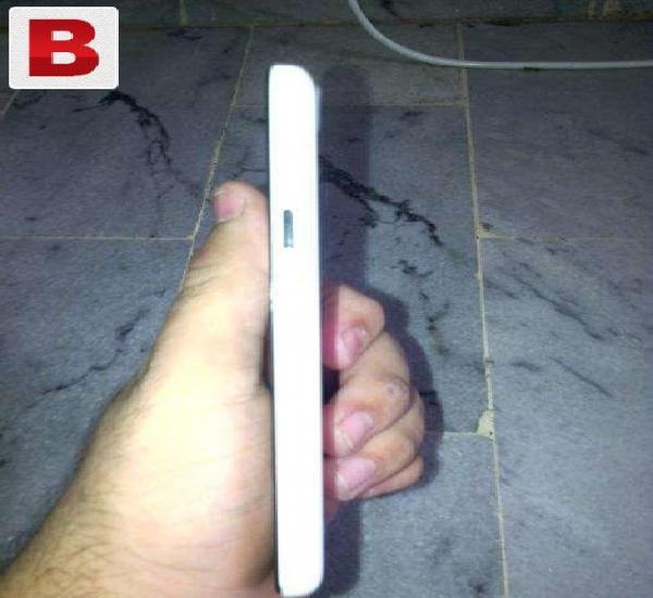 Q mobile noir i7