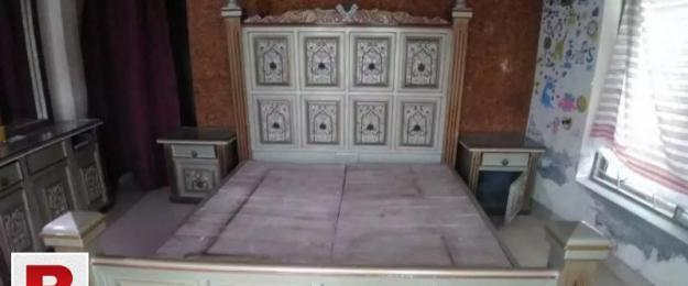 Executive style bed,dressing table & side tables set for