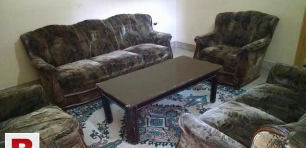 7 seater sofa set,with center table in good condition