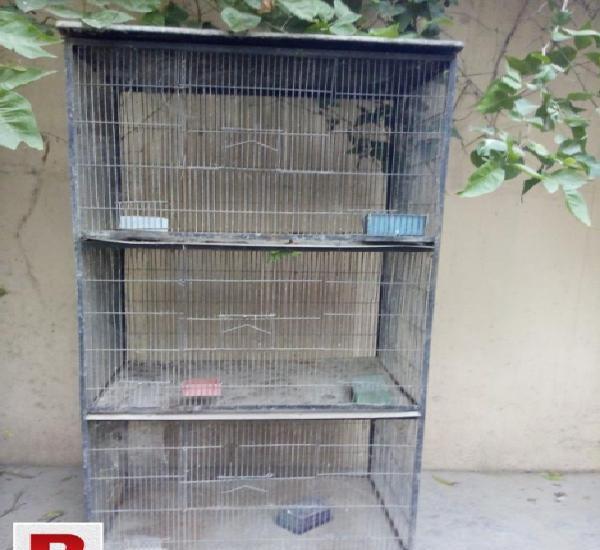 Three portion iron cage