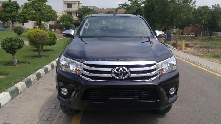 Toyota hilux revo g automatic 2.8 2019