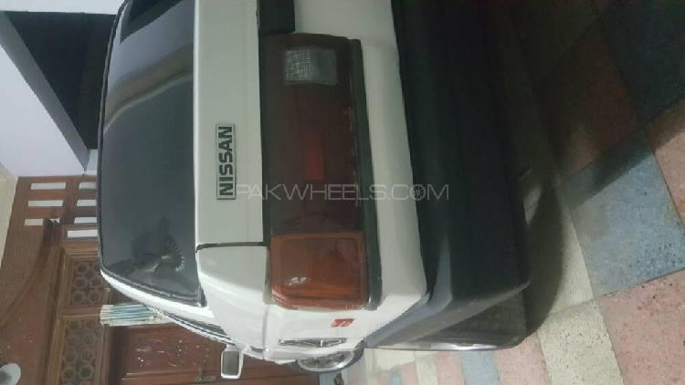 Nissan sunny ex saloon 1.6 (cng) 1988