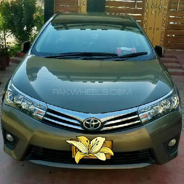 Toyota corolla altis cvt-i 1.8 2016