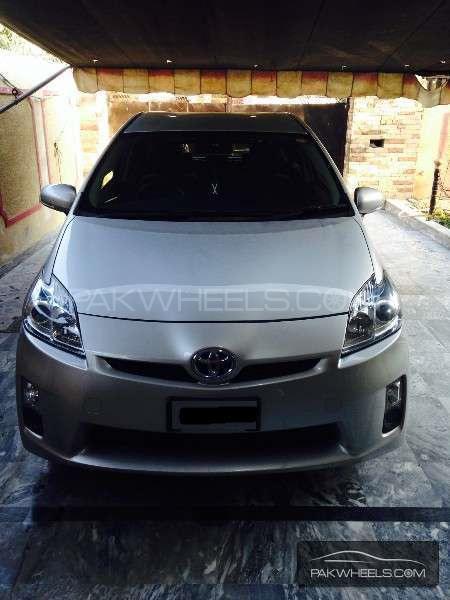 Toyota prius alpha s l selection 2011