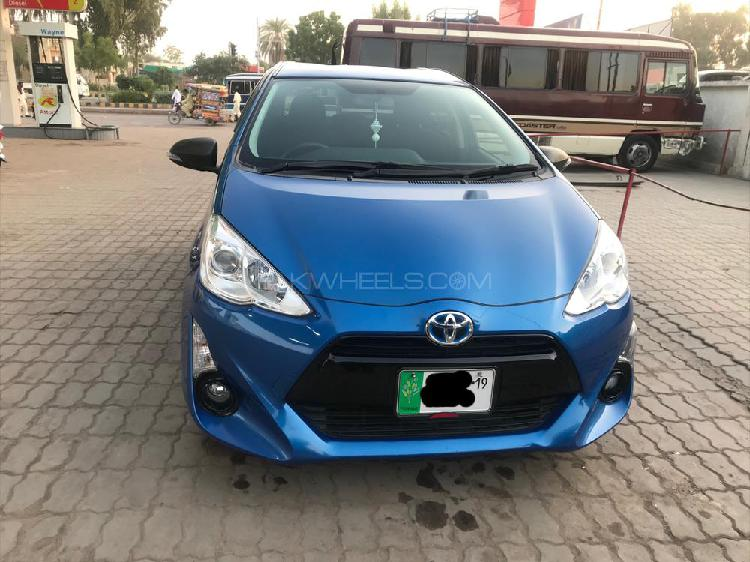 Toyota aqua s 2015