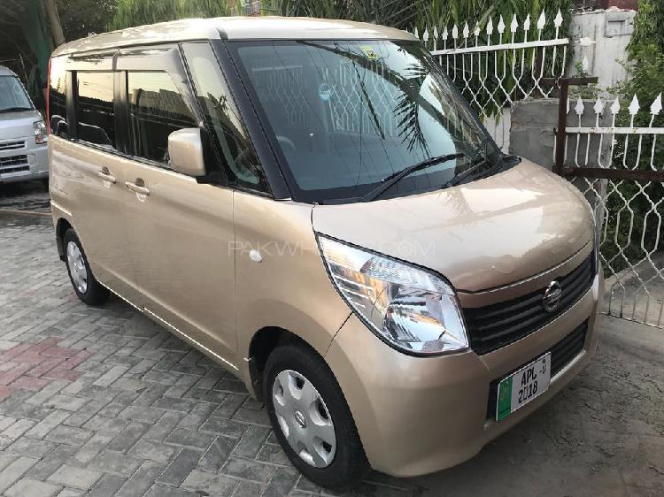 Nissan roox x 2011