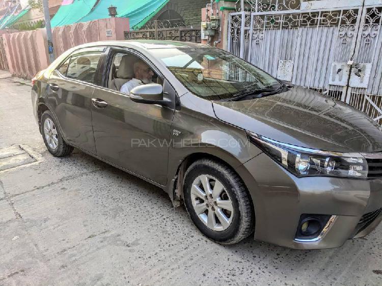 Toyota corolla altis sportivo automatic 1.6 2014