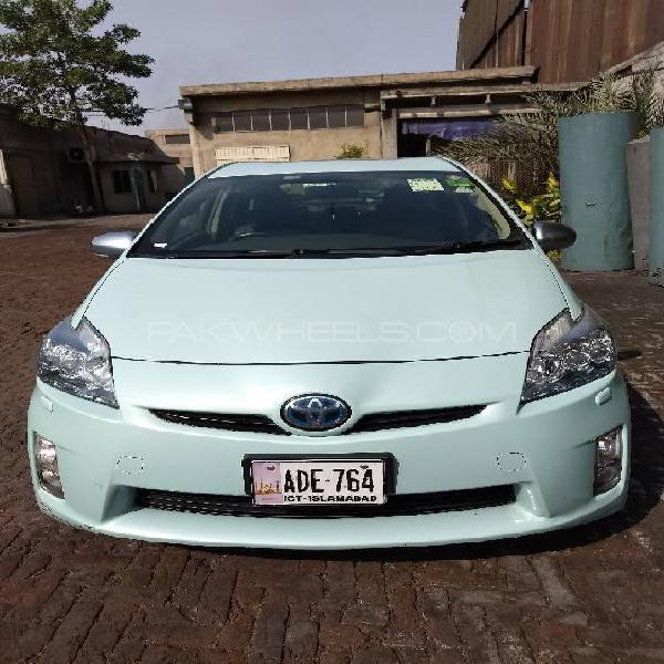 Toyota prius g touring selection leather package 1.8 2011