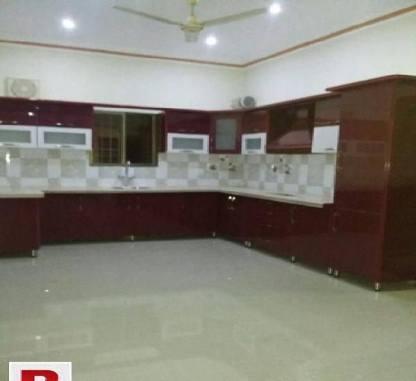 """Gulshan-e-Iqbal Block-10A, 1500 sq.ft Leased Flat """"Saima"""