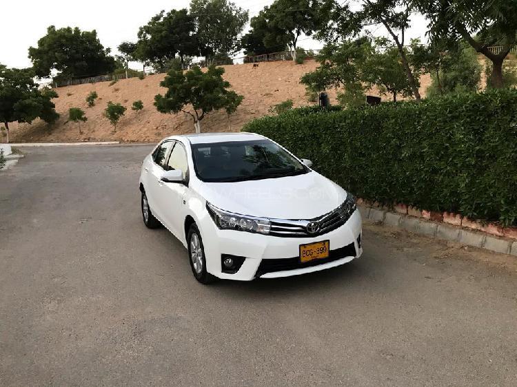 Toyota corolla altis cvt-i 1.8 2014