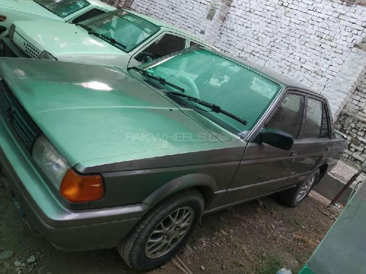 Nissan sunny ex saloon automatic 1.3 1990
