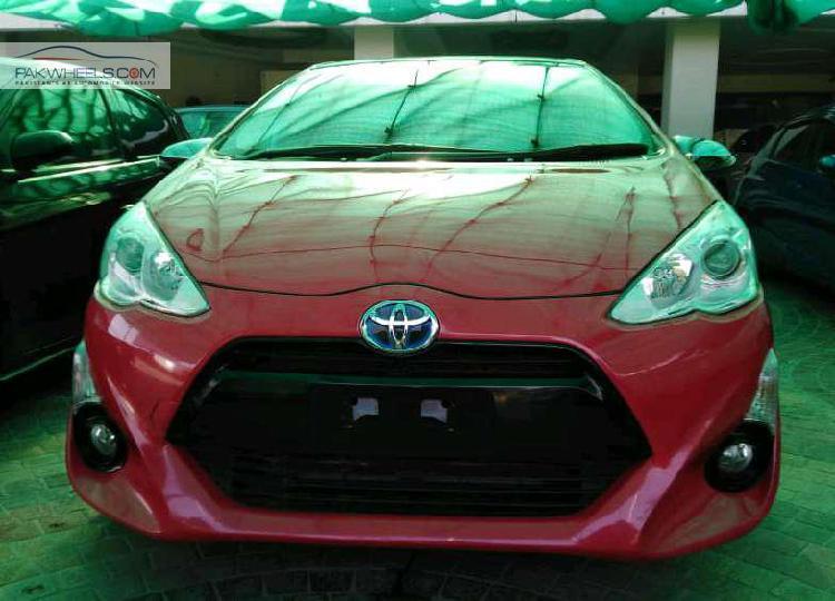 Toyota aqua g 2016