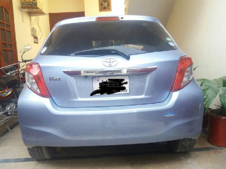 Toyota vitz f smile edition 1.0 2013