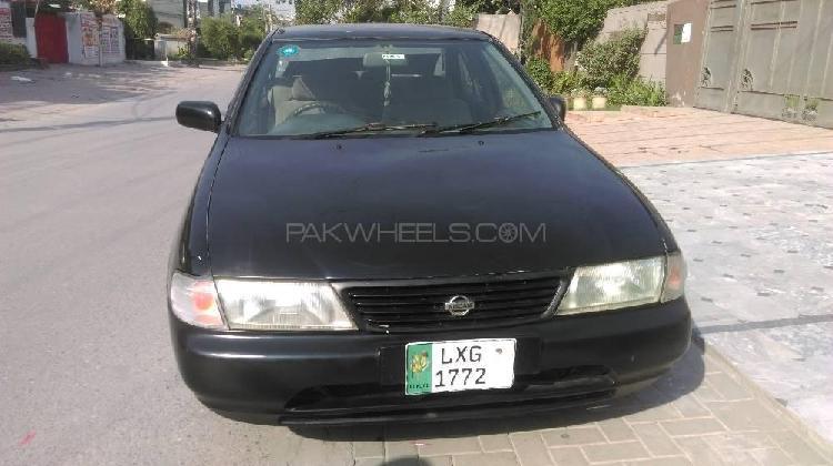 Nissan sunny ex saloon automatic 1.3 1998