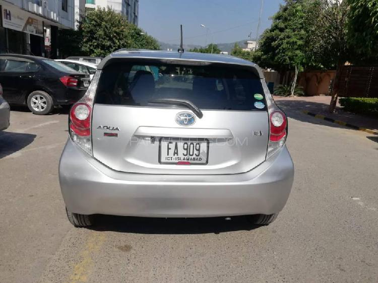 Toyota aqua g 2012