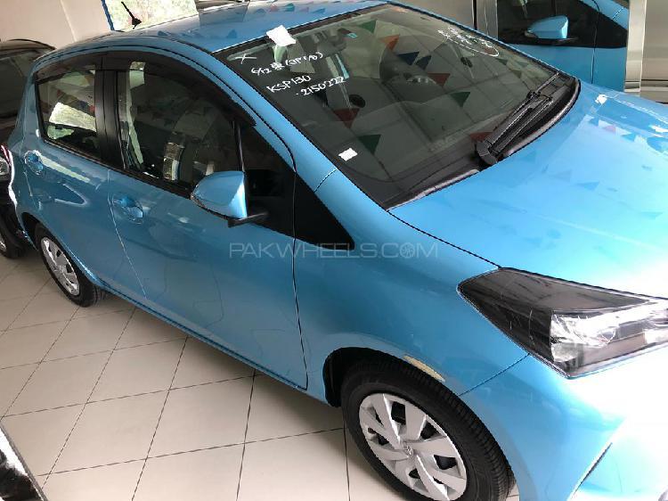 Toyota vitz f m package 1.0 2015