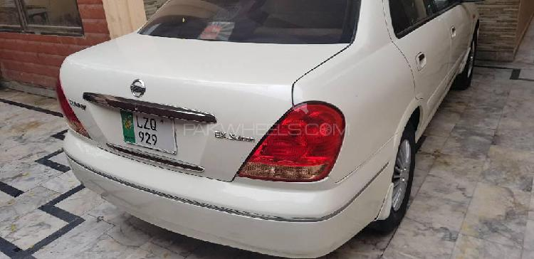 Nissan sunny ex saloon automatic 1.3 2005