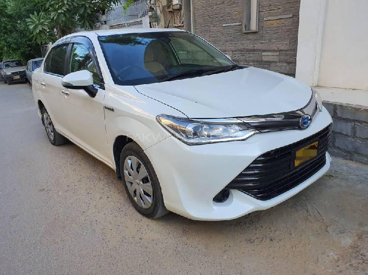 Toyota corolla axio g 2016