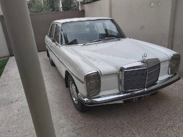Mercedes benz 200 d 1972