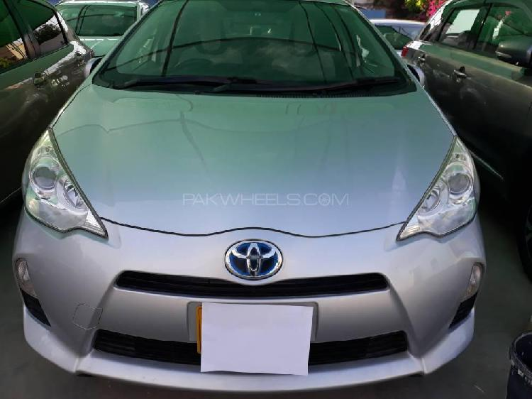 Toyota aqua l 2013